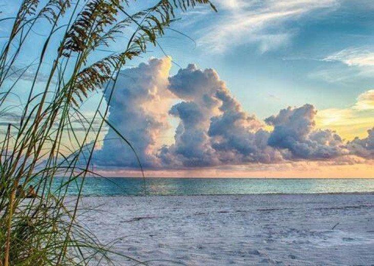 Crescent Beach, Siesta Key Old Florida Style 2 bed/1 bath budget-friendly! #1