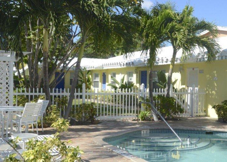 Bahama Beach Club - Studios, 1/1s - Walk to Beach #1