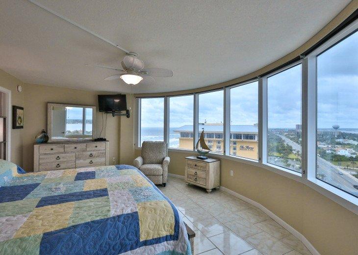 SOUTHERN EXPOSURE - Modern Decor, Panoramic Views Peck Plaza 15SW #1