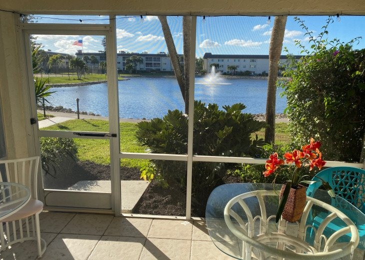 Lakefront condo near Marco Island and Naples #1