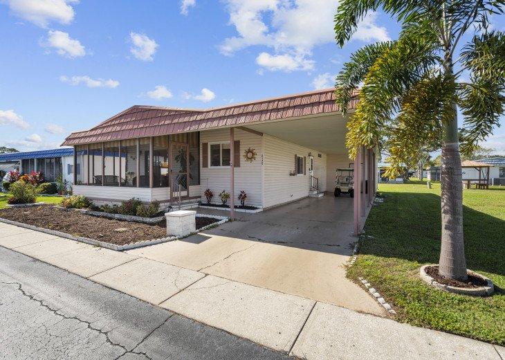Ready For Your Holiday in the Florida Sun - Fully Equipped 2 Bed, 2 Bath #1