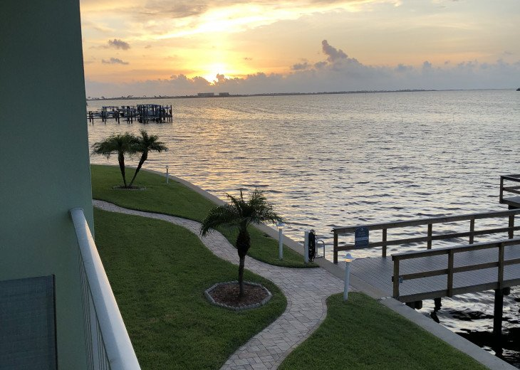 Waterfront Condo-Completely Renovated #1