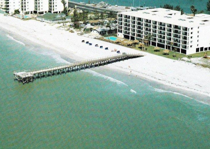 Best Gulf Beachfront w/Private Pier, 3/2, Sleeps 8, Top Floor #1