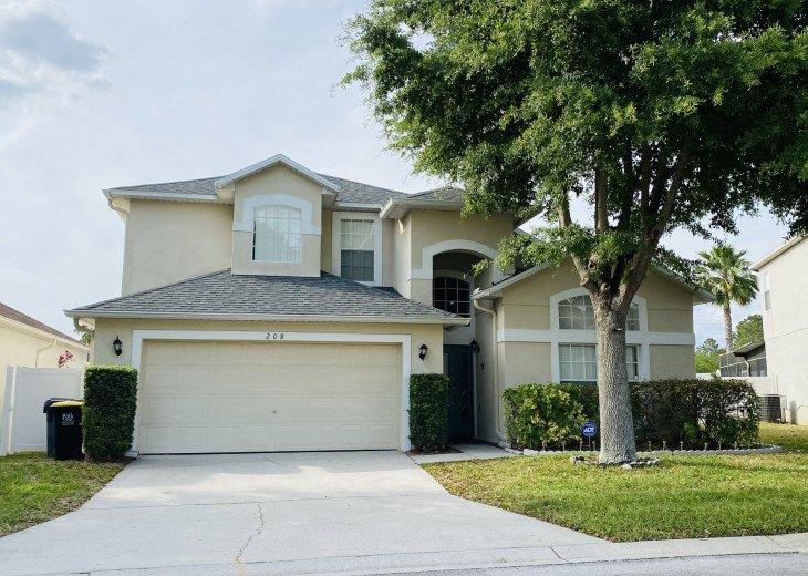 Orlando Disney Villa - luxury 5 bed, 3.5 bath home, sleeps 10! HUGE POOL & YARD! #1