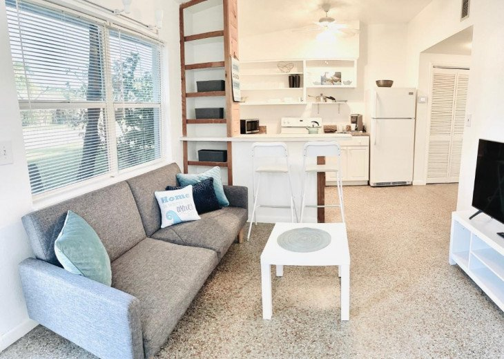 Cozy 1B/1B Cottage in Downtown Cocoa Beach #1
