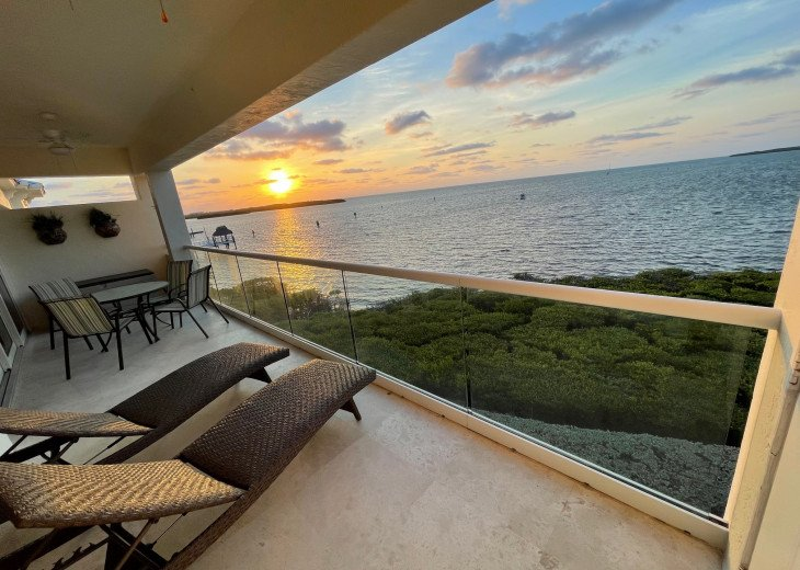 LICENSED MGER. - AREA'S BEST LUXURY OCEANFRONT PENTHOUSE SUITE - EPIC VIEWS!!! #1