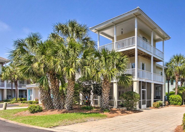 3 story house, closest street to the beach, comfortably sleeps 15!