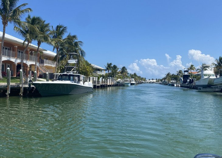 3/2 Waterfront Home / Private Dock / Cabana Club Access (Pool and Beach) #1