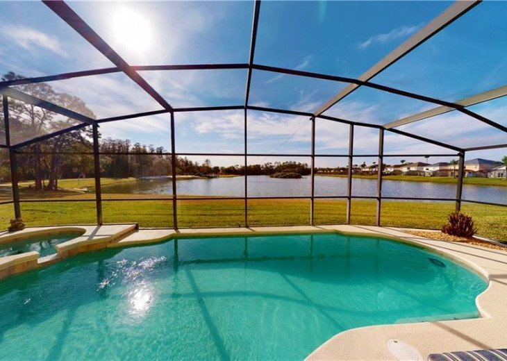 South Facing Lake View Villa With Private Pool, Spa, Games Room on Lake Berkley #1