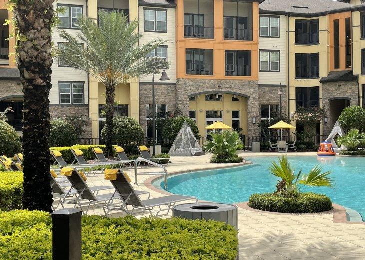 Universal Executive Suites in Orlando near Seaworld, Icon Park and Walt Disney. #1