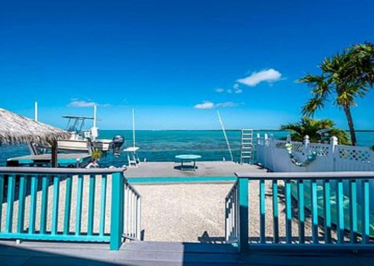 Stunning View with your own Boat Lift!