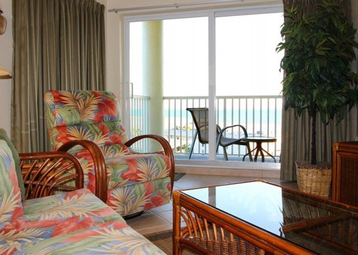 Sofa, Recliner, Balcony WidescreenTV Looking From Top Floor Gulf View & Beaches.