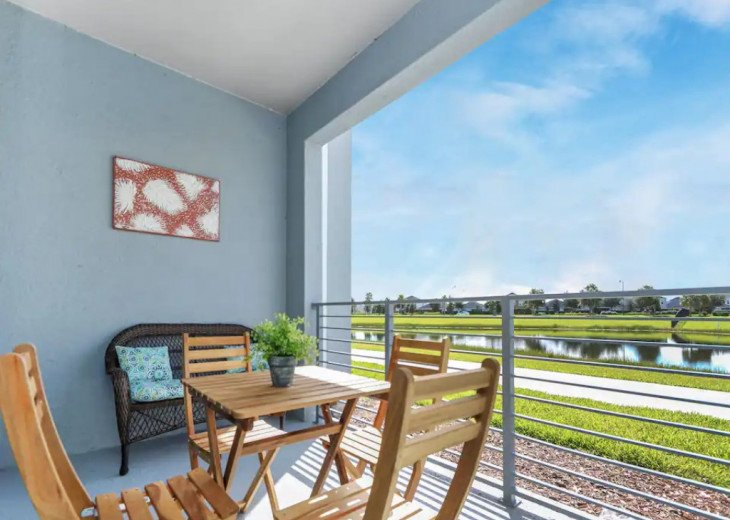 Family place with gorgeous view, 4 miles to DISNEY #1