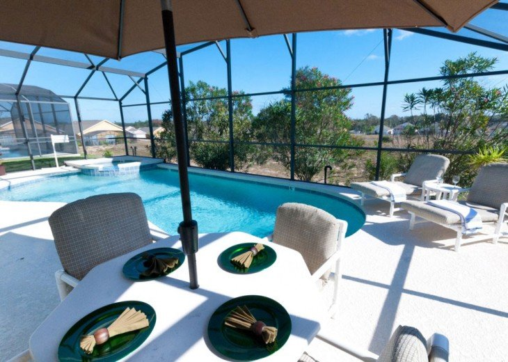 Your own pool, great for sunbathing and al fresco dining.