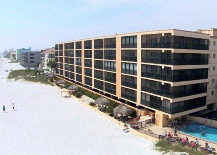 VILLA MADEIRA - Beach Front with huge balconies, walk to John's Pass! #1