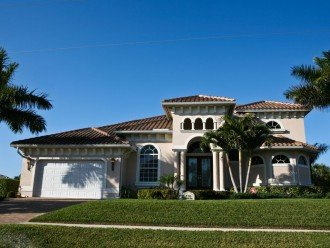 Luxurious 4 Bedroom 4 Bath Waterfront Home - Wide Canal - Southwest Exposure