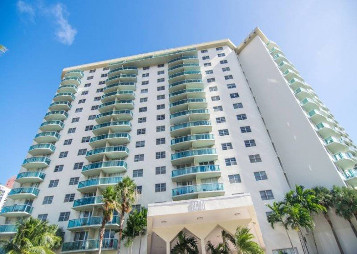 O. Reserve Premium | 1 Bed 1 Bath | Steps from the Beach #1