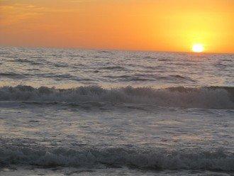2-Bedroom Sunset Beach Treasure Island Paradise Quiet Beach Neighborhood