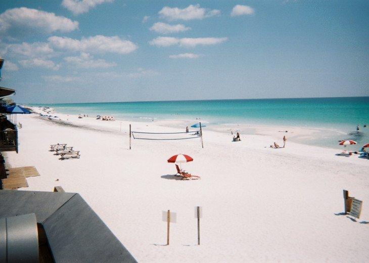 30 yards 2 beach85 degree water,3 blocks2 Town,XLMall,restaurants,groceries,ect