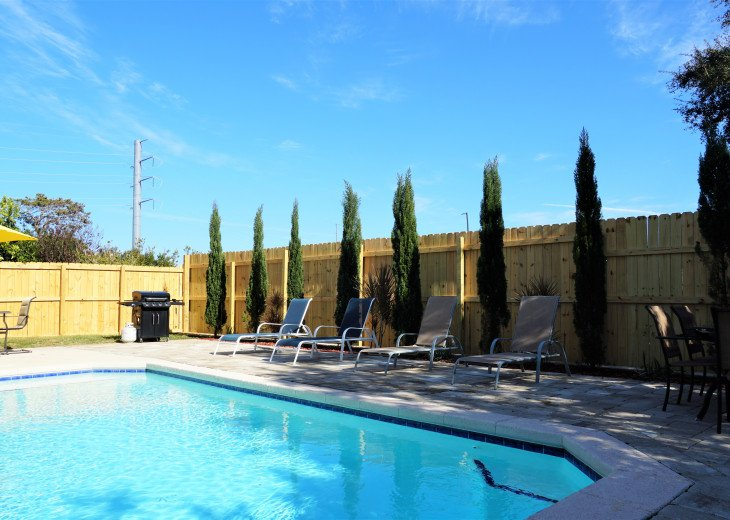 :PRIVATE POOL: Fenced in yard, gas grill, two blocks to beach and grocery store. #1