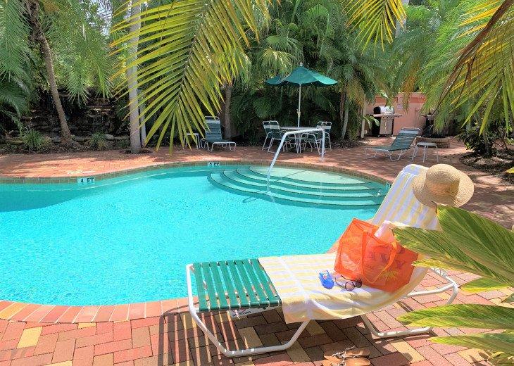 Beach, Beach, Beach! 1 BR Siesta Key Inn Pineapple Palm #2D #1