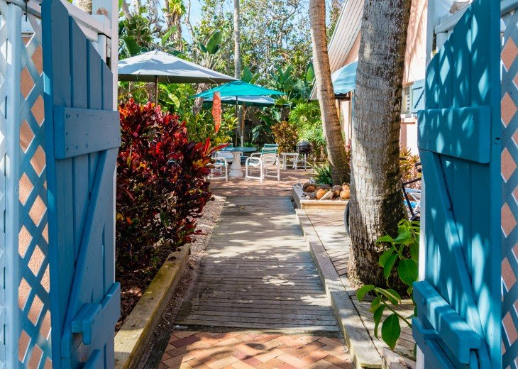 Beach Bungalow, dog & family friendly Oceanfront Garden Villas #1