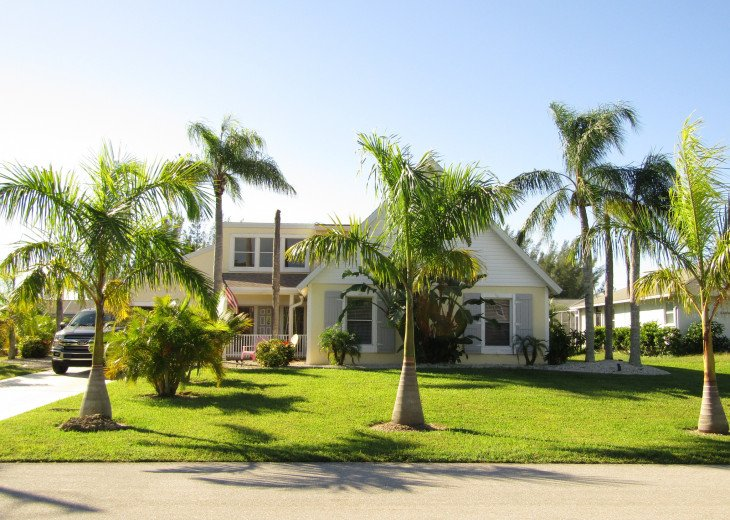 Paradise Place - beautiful 2 story house with huge pool #1