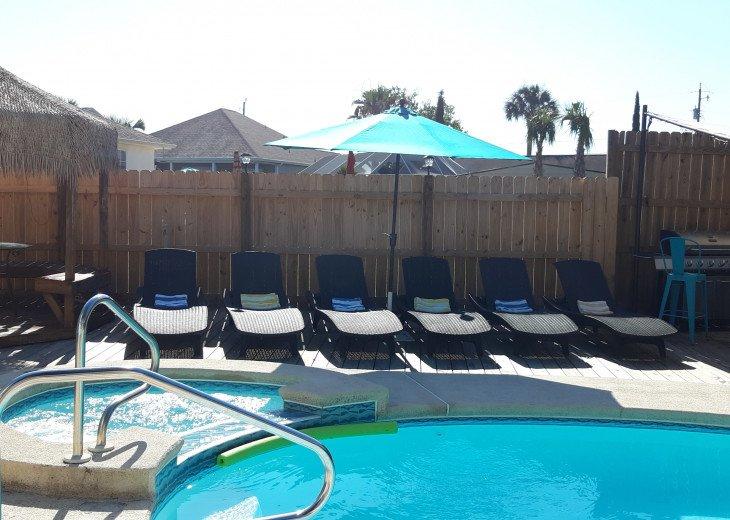 pool/spa, pool deck & bbq grill