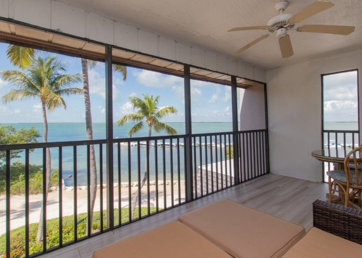 RHCP8 - Bayfront townhouse located in a lush tropical setting. #1