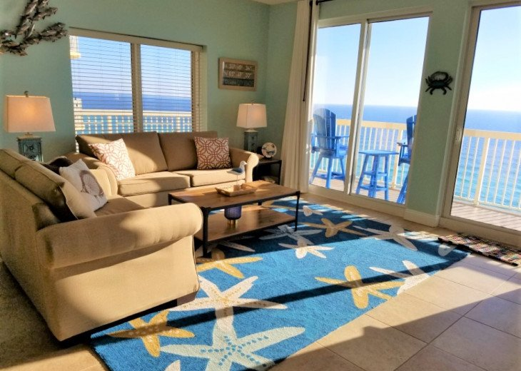 Spacious main living area, private balcony access wrap around views of the Gulf