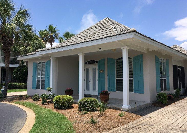 """The """"Jardin Calle"""" Beach House"""