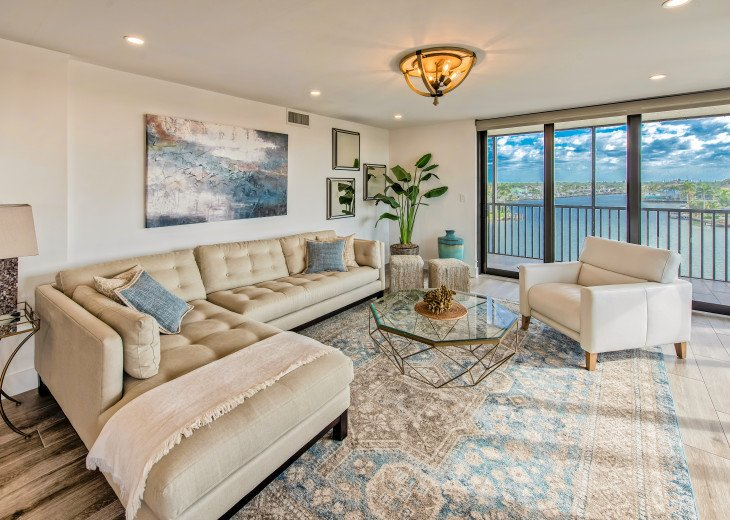 Living Room with Views over Vanderbilt Bay to the East