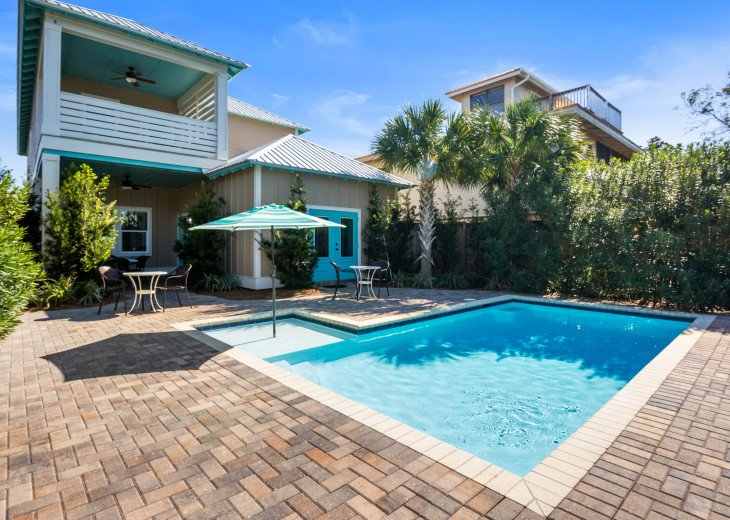 Upscale Luxury Home- Private Pool- Free 6 Seat Golf Cart! 2 Minutes to Beach! #1