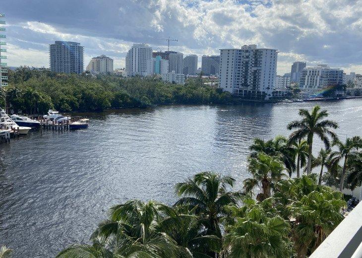 Waterfront, oceanview condo, walk to beach! #1