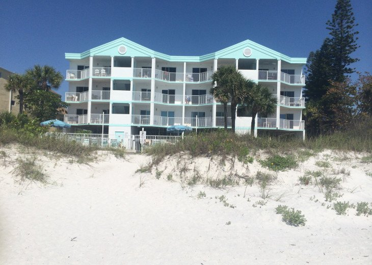 West Coast Vista - Luxury on the Beach!