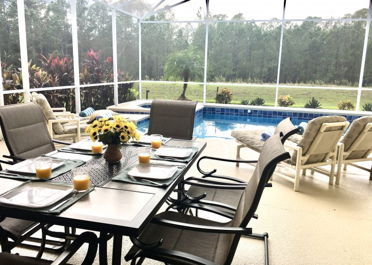 Woodland views. 2 masters, southwest facing, wifi, games room, gas grill #1
