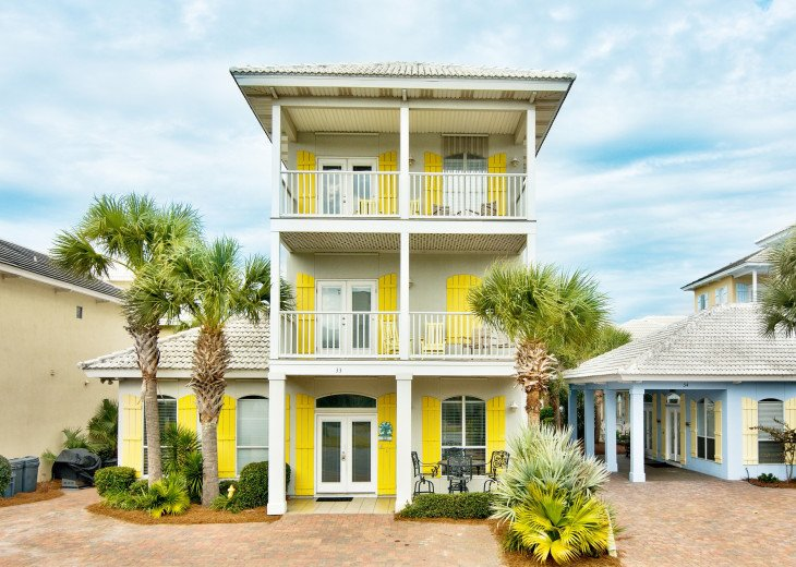 South Seas - 4br/3.5ba + Game Room - Sleeps 16. Book direct at GULF911 website