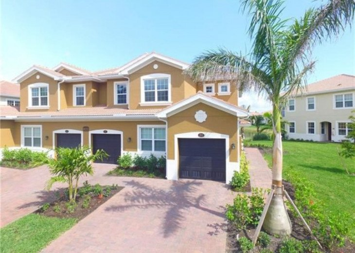 Fort Myers 4BR 2BA Condo #1
