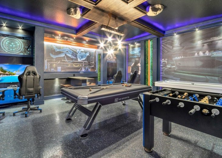 STUNNING 9BD/5BA Private Pool/Spa Sci-Fi Games Room Free Use Resort Facilities #1
