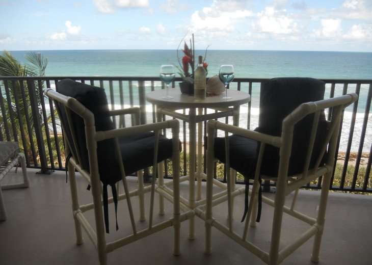 Oceanfront bliss on your huge balcony