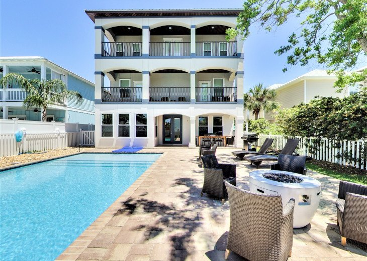 Luxurious Family Matters Retreat Sunny Pool Area, Outdoor Dining, and Playset