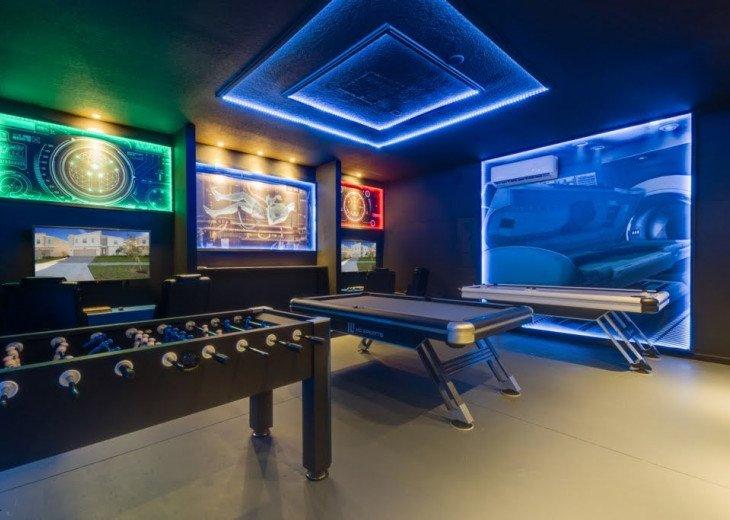 9BD 5BA Champions Gate. Private South Pool/Spa. Sleeps 22. Star Wars Games Room #1