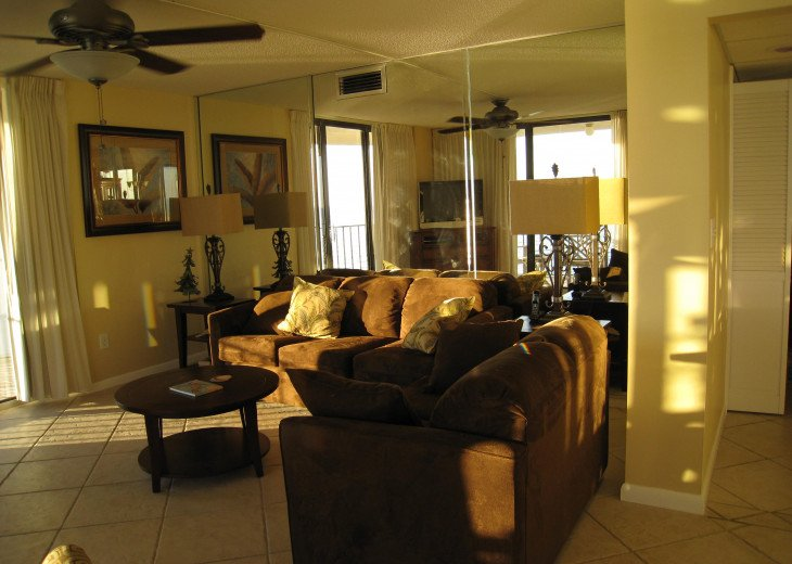 TOWER 2- 2ND FLOOR WRAP!!**3BED 3 BATH**INCLUDES BEACH SET UP!! #1