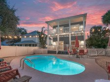*Private Pool, close to the beach, beautiful 6 seater golf cart avaliable #1