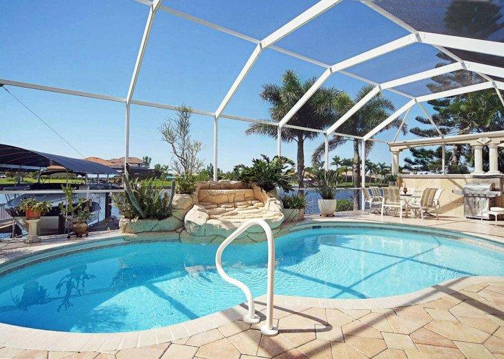 CapeCoralRentalHouses-House 04- La Isla Bonita WIFI + Office, REAL Hot Tub #1