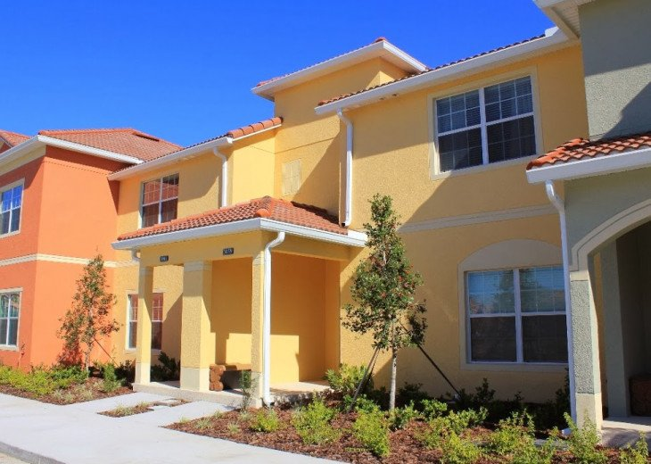 Gated Resort, Spacious Town-home with pool and fancy club Paradise Palms Resort #1