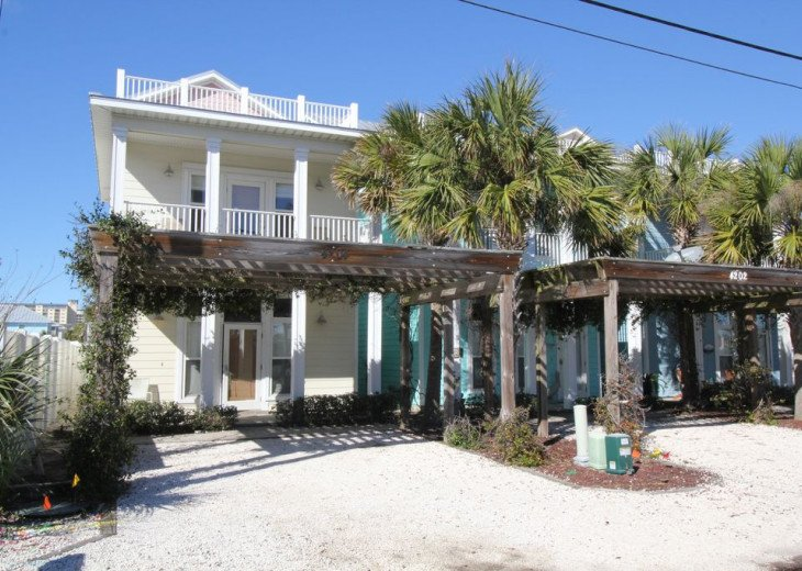 New Just Listed! Seahorse Beach House private 4 bedroom home w/private pool. #1
