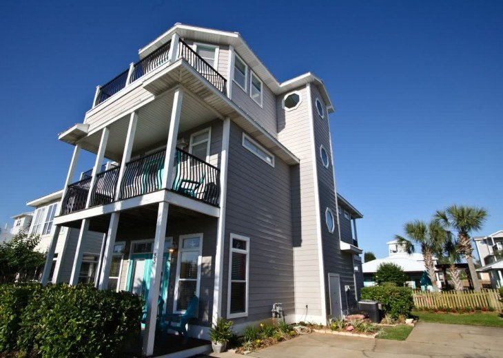 *Beachy Feel* SUMMER~SAT-SAT ONLY* Sleeps 20 *Walk2Beach, Pool, Gazebo, Central #1