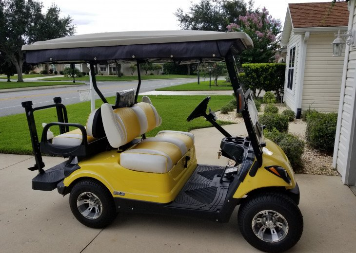 LARGE 3 BEDROOM, W/4 SEATER GOLF GAS GOLF CART, GREAT LOCATION #1