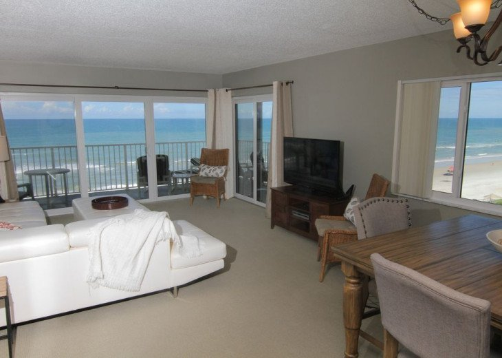 Chic Beach Gem, 6th Floor Oceanfront Corner Condo With a View, No-Drive Beach #1